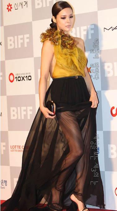 박시연 영화제 드레스