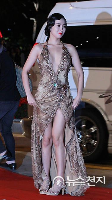 부산국제영화제 한수아 드레스